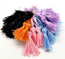 Pompones y borlas