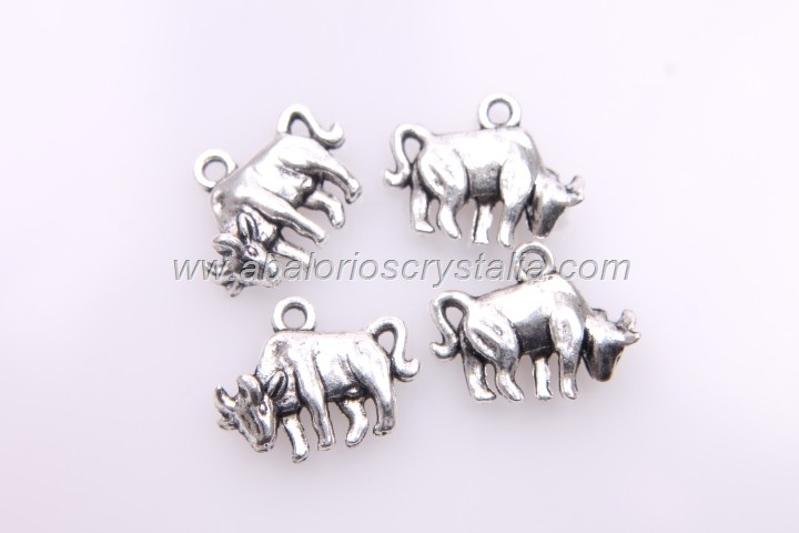5 TOROS PLATA ANTIGUA 18x14mm