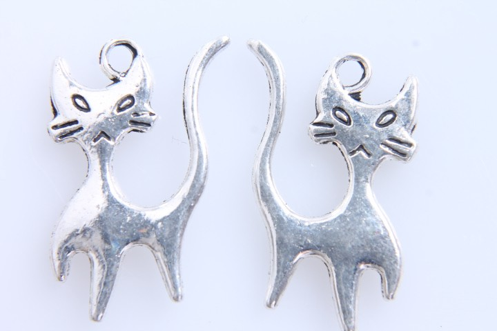 10 COLGANTES GATO PLATA ANTIGUA 23x15mm