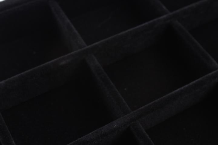 EXPOSITOR BANDEJA TERCIOPELO NEGRO 12 HUECOS 23x14cm