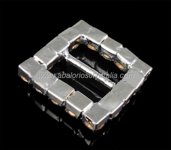 1 HEVILLA CUADRADA CON STRASS CRISTAL 20x20x4mm