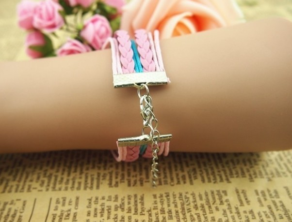 PULSERA ROSA (KITTY, LOVE) PLATA ANTIGUA (hecha a mano)