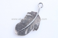 1 COLGANTE PLUMA PLATA ANTIGUA 44x20mm